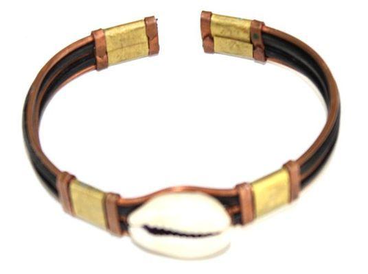 Bracelet artisanal bronze cuivre métal et caurie