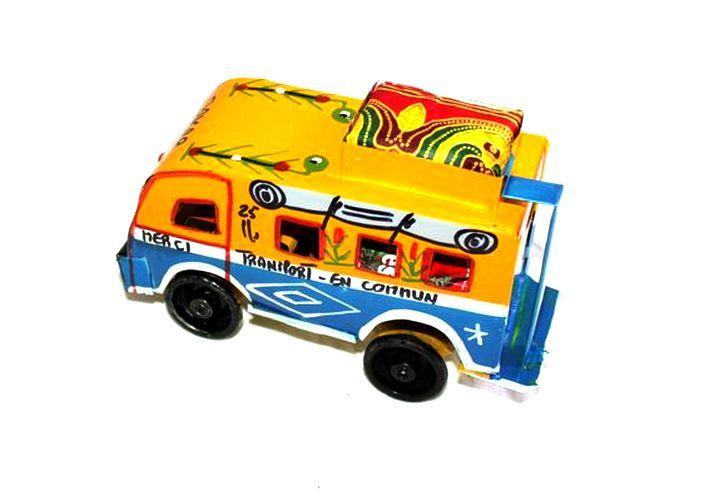 Figurine Car rapide du Sénégal