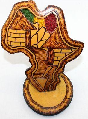 Socle carte Afrique sur calebasse découpé CCA6