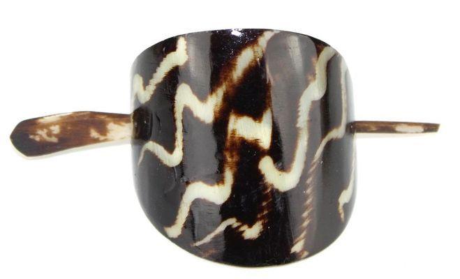 Chignon en corne bovine décorée