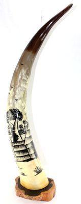Corne décorée avec socle en ébène 4143-BX-135