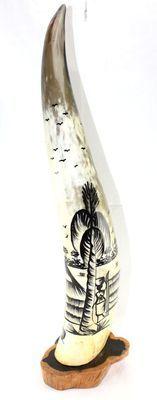 Corne décorée avec socle en ébène 4128-BX-131