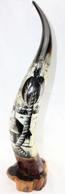 Corne décorée avec socle en ébène 4125-BX-130