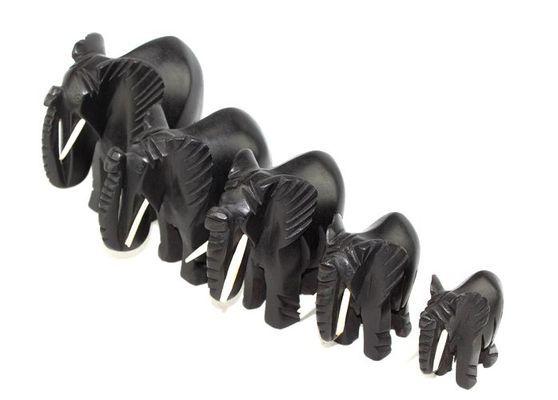 Troupe éléphants noir avec défenses 2309-A