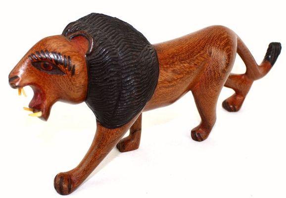 Lion en bois teck 3228-AX-7
