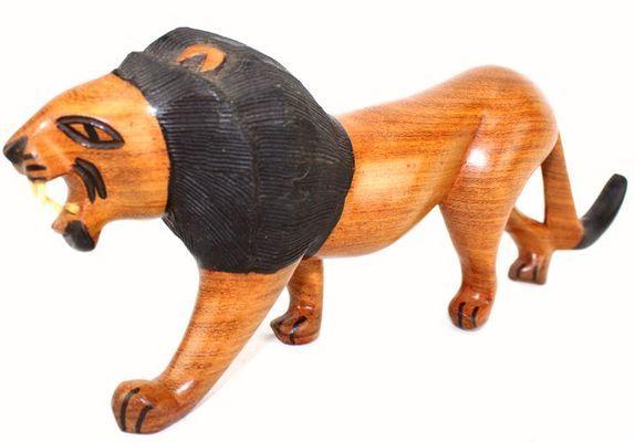 Lion en bois teck 3201-AX-1