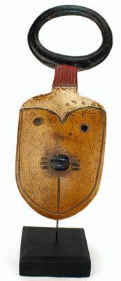 masque passport ancien sur socle-7819