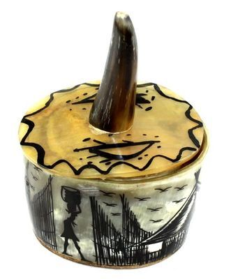 Boîte en corne décorée BOENCO1
